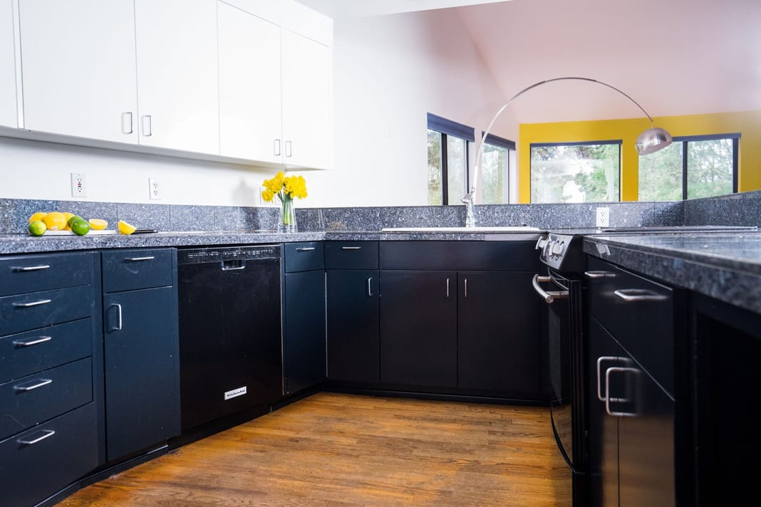 Residential interior kitchen painters in Oregon