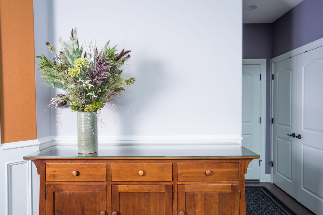 residential interior painters image with flowers